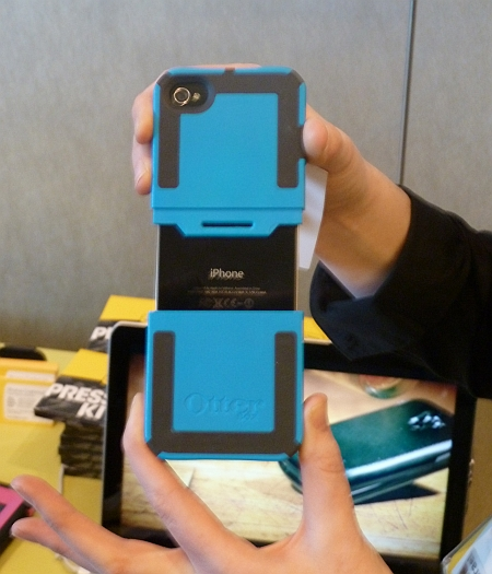 otterbox_iphone_case_open